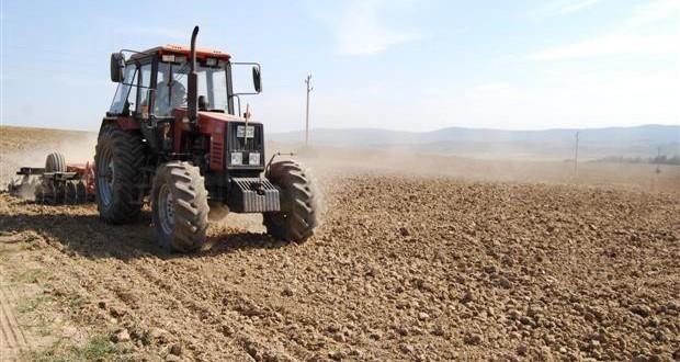 земя, трактор