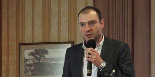 Свилен Костов