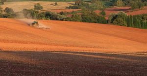 нива с трактор