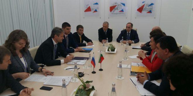 Танева на среща с Ткачов